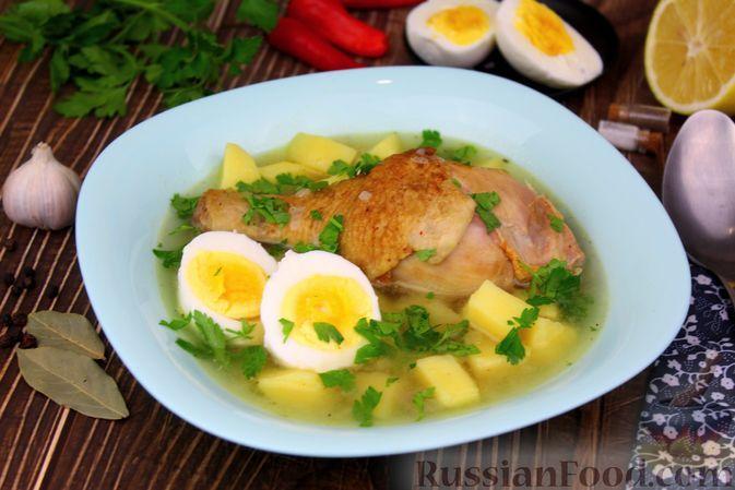 Фото к рецепту: Куриный суп с картофелем и луково-мучной заправкой