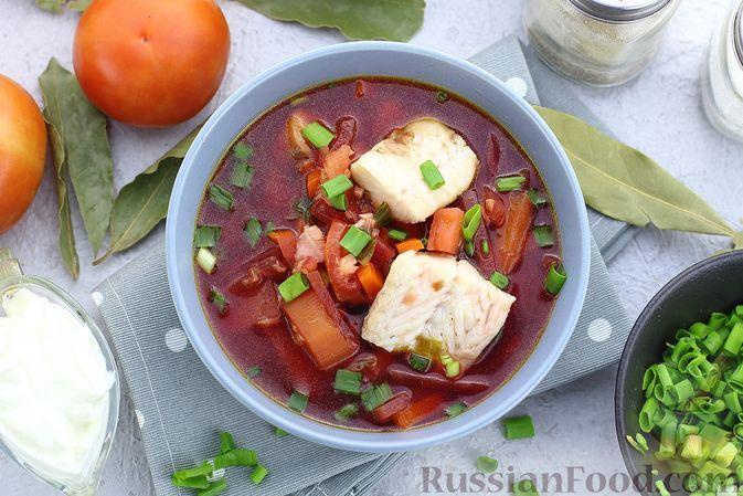Фото к рецепту: Горячий свекольник с рыбой