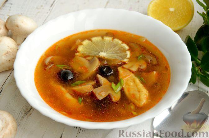 Фото к рецепту: Грибной суп с клецками