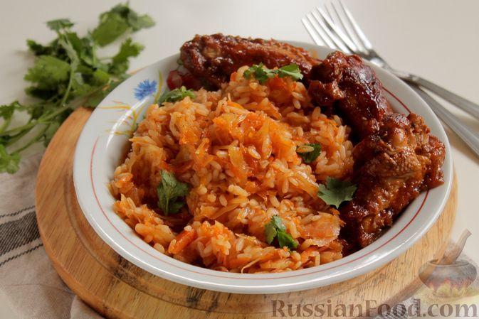Фото к рецепту: Капуста с рисом, в духовке