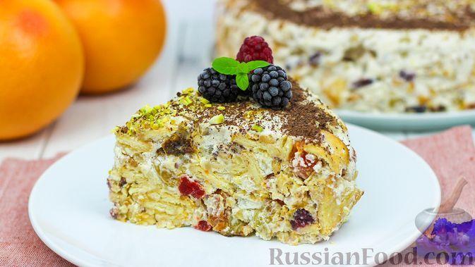 Фото к рецепту: Торт с сухофруктами, орехами и печеньем (без выпечки)