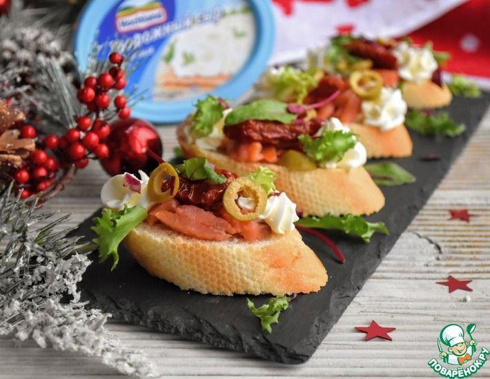 Рецепт: Брускетта с сёмгой и вялеными томатами