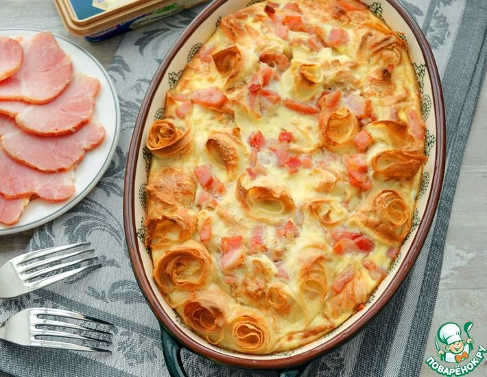 Рецепт: Блины в сырном омлете с окороком