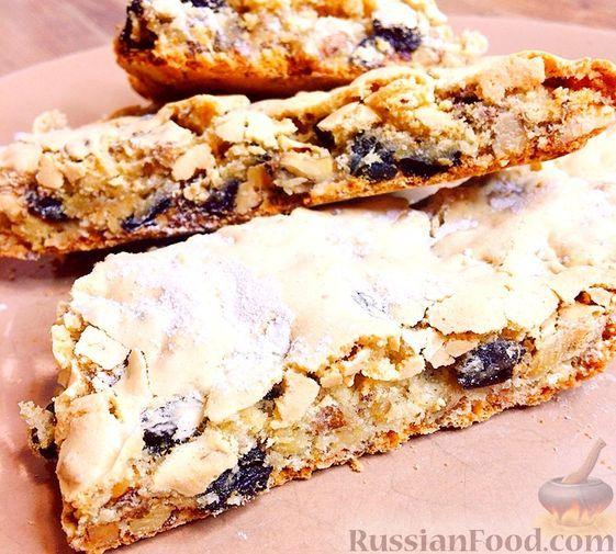 """Фото к рецепту: Печенье """"Мазурка"""" с изюмом и орехами"""