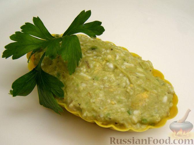 Фото к рецепту: Салат-паштет из авокадо с яйцом