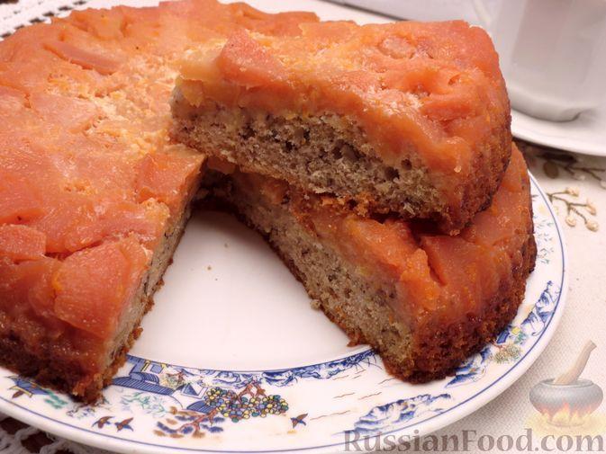 Фото к рецепту: Ореховый пирог-перевёртыш с айвой
