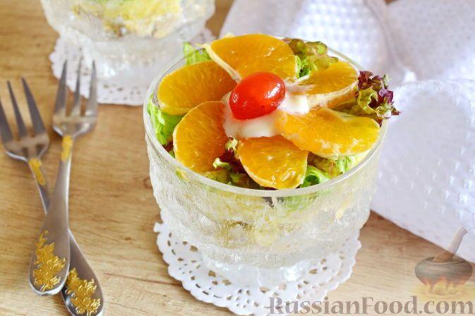 Фото к рецепту: Салат с курицей и фруктами