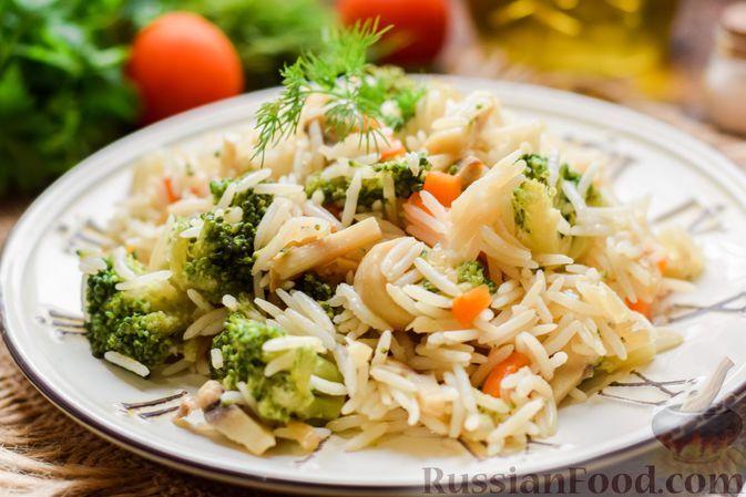 Фото к рецепту: Рис с грибами и брокколи