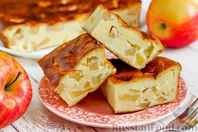 Фото к рецепту: Творожно-яблочная запеканка с манной крупой