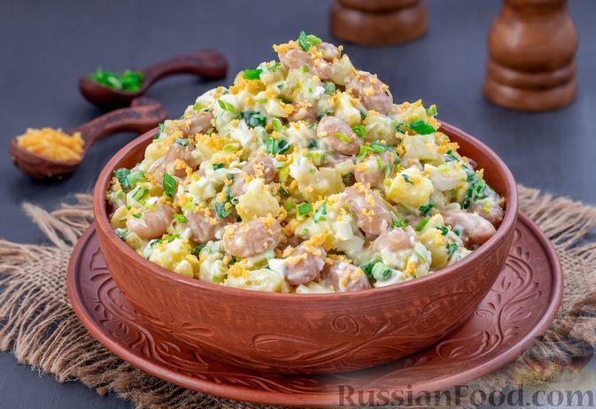 Фото к рецепту: Салат с фасолью, картофелем, черемшой и яйцами