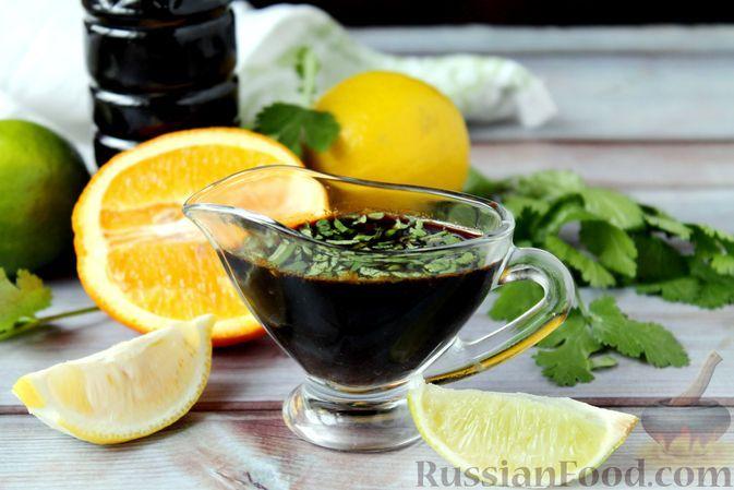 Фото к рецепту: Соево-цитрусовый соус с имбирём и чесноком