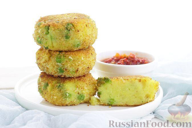 Фото к рецепту: Картофельные котлеты с зелёным горошком