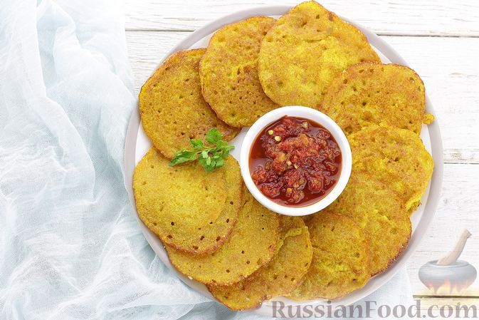 Фото к рецепту: Постные блинчики из риса и гороха