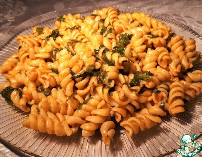 Рецепт: Веганская паста с аджикой и шпинатом