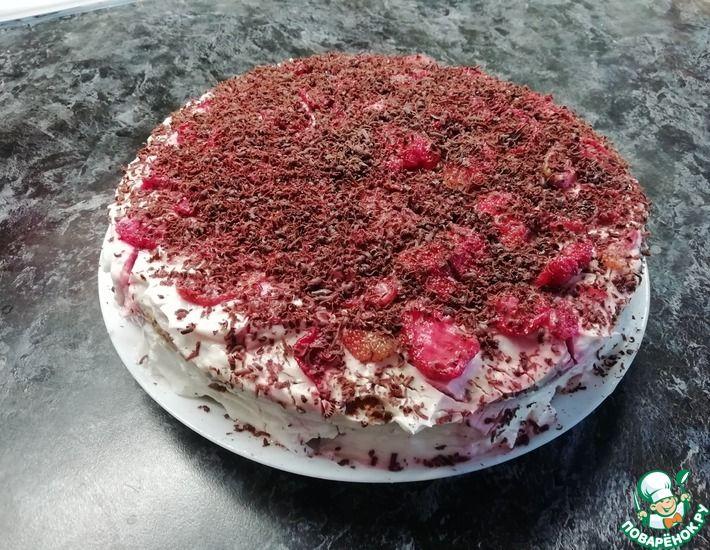Рецепт: Фруктовый торт из покупных коржей без выпечки