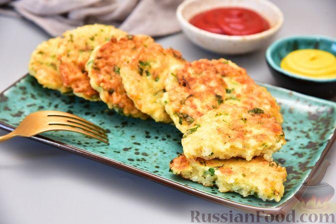 Фото к рецепту: Оладьи из риса и зелени
