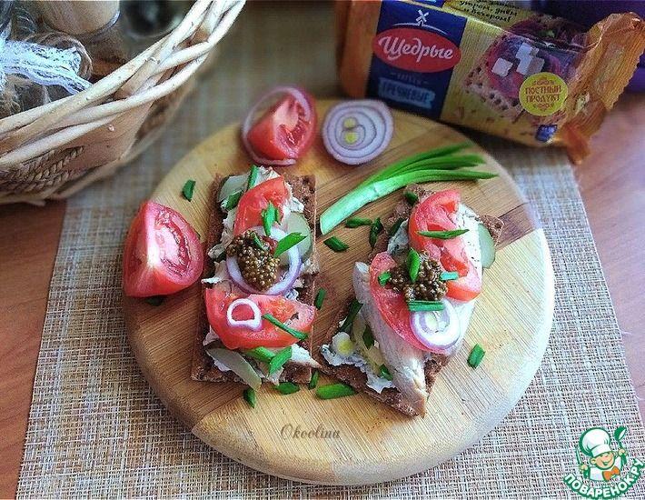 Рецепт: Бутерброды на хлебцах с курицей