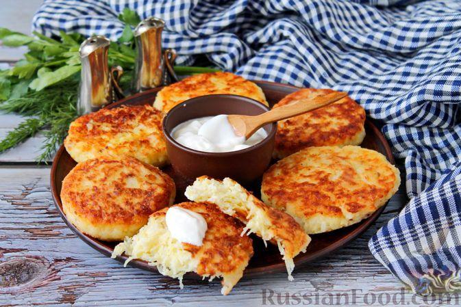 Фото к рецепту: Котлеты из картофеля, риса и творога