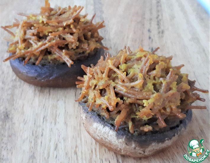 Рецепт: Шампиньоны, фаршированные тушёной вермишелью