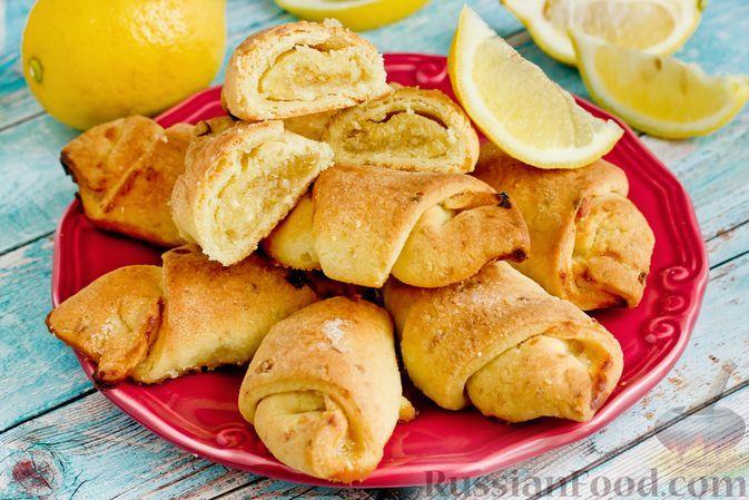 Фото к рецепту: Творожные рогалики с лимонной начинкой