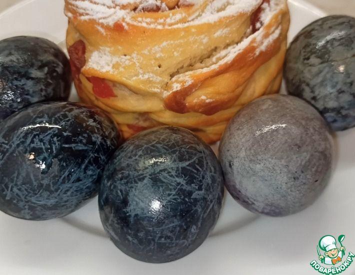 Рецепт: Яйца на Пасху в чае каркаде