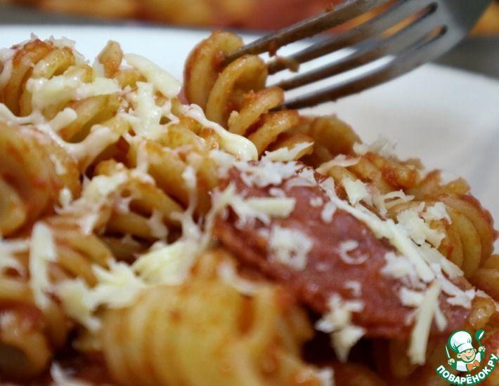 Рецепт: Паста с салями в томатном соусе