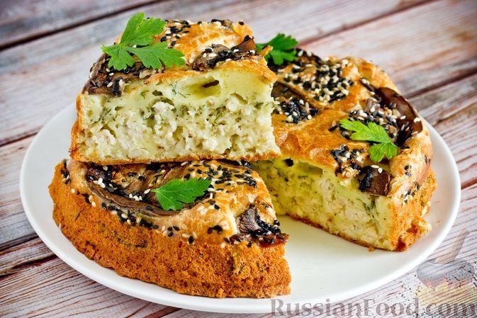 Фото к рецепту: Заливной пирог на сметане и майонезе, с куриным фаршем и укропом