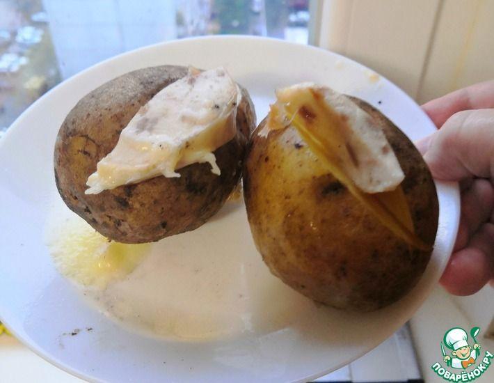 Рецепт: Картофель запечённый в микроволновке с колбасой и сыром
