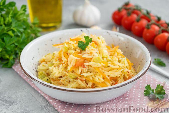 Фото к рецепту: Рис с кабачками и помидорами (на сковороде)