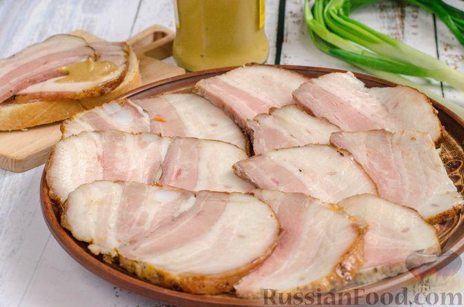 Фото к рецепту: Домашняя запечённая грудинка