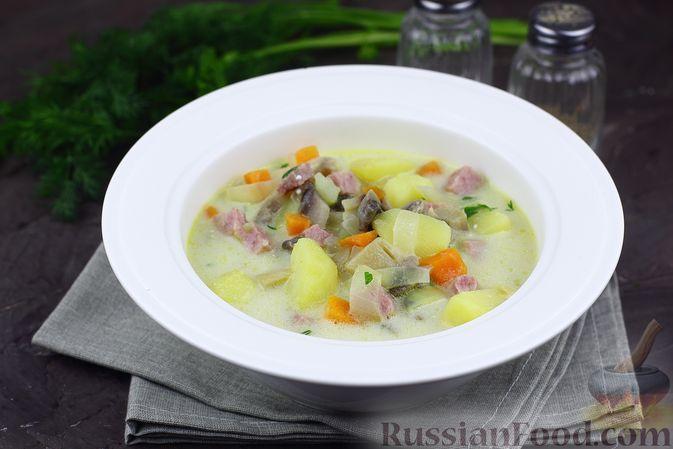 Фото к рецепту: Суп грибной с плавленым сыром и ветчиной