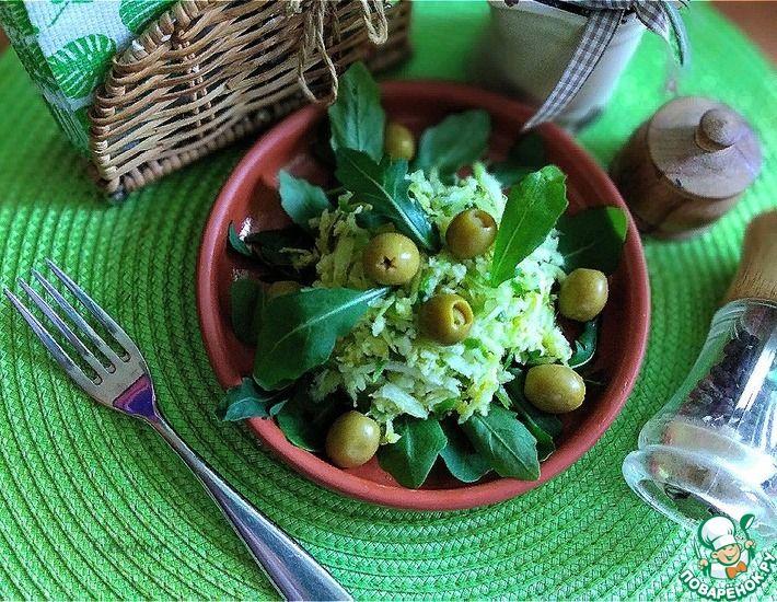 Рецепт: Салат из зелёной редьки с рукколой
