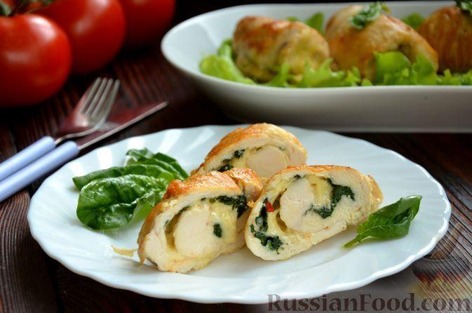 Фото к рецепту: Куриные рулеты со шпинатом и сыром
