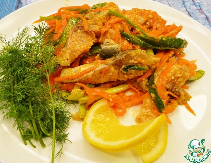 Рецепт: Скумбрия с зелёным луком по-корейски