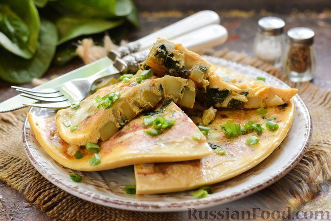 Фото к рецепту: Омлет с картошкой и шпинатом