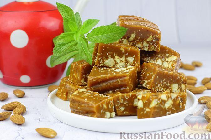 Фото к рецепту: Щербет с миндалём и кунжутом
