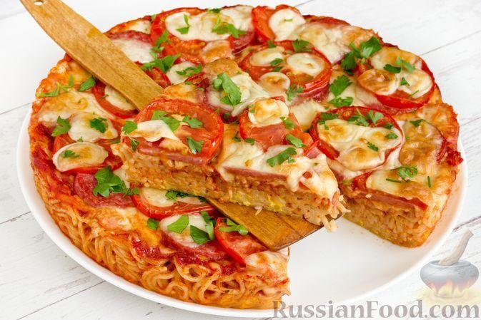 Фото к рецепту: Запеканка из спагетти с помидорами, колбасой, сыром и томатным соусом
