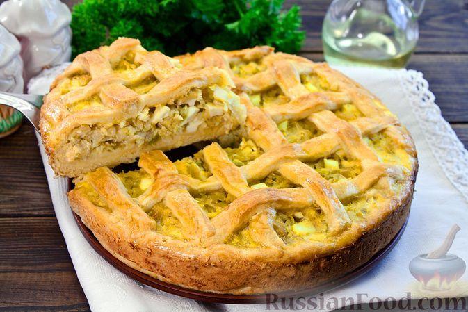 Фото к рецепту: Песочный пирог с капустой и яйцами
