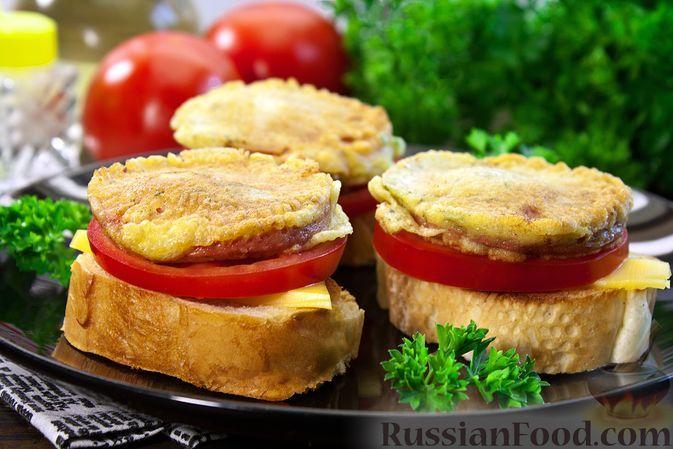 Фото к рецепту: Тосты с сыром и колбасой в кляре