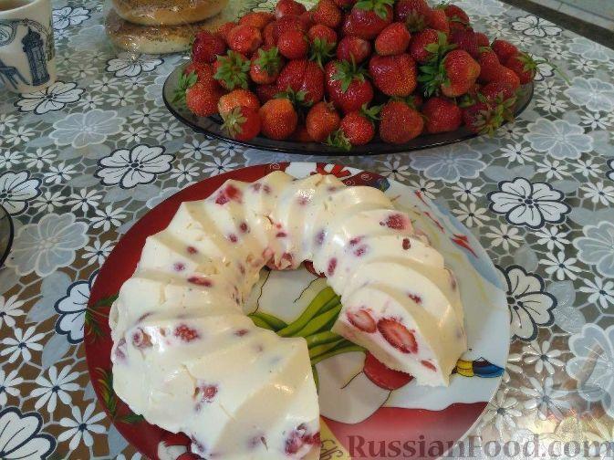 Фото к рецепту: Творожный десерт с клубникой