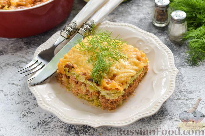 Фото к рецепту: Запеканка с кабачками, молодой капустой и фаршем