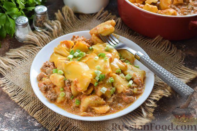 Фото к рецепту: Картофельные ньокки в мясном соусе с сыром чеддер (в духовке)