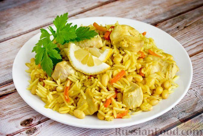 Фото к рецепту: Паэлья с курицей и фасолью