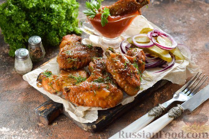 Фото к рецепту: Куриные крылышки в лимонно-соевом маринаде (в духовке)