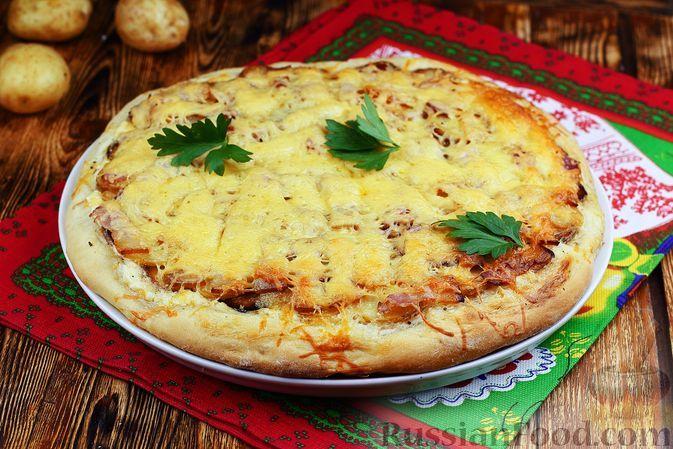 Фото к рецепту: Пицца с картошкой и копчёным беконом
