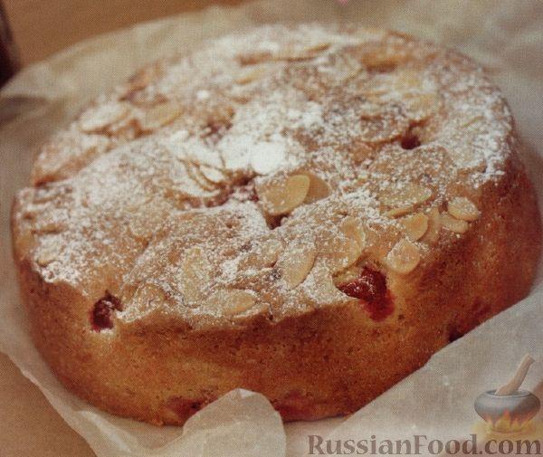 Фото к рецепту: Пирог-кекс с миндалем и малиной