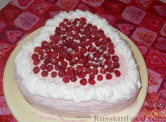 "Фото к рецепту: Торт ""Малиновое сердце"""