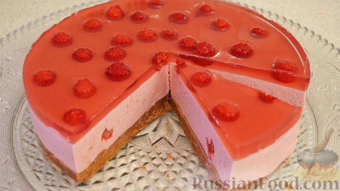 Фото к рецепту: Творожно-малиновый десерт