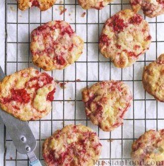 Фото к рецепту: Печенье с малиной и белым шоколадом