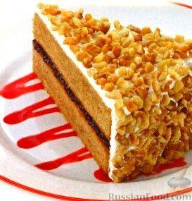 Фото к рецепту: Ореховый пирог с малиновым джемом